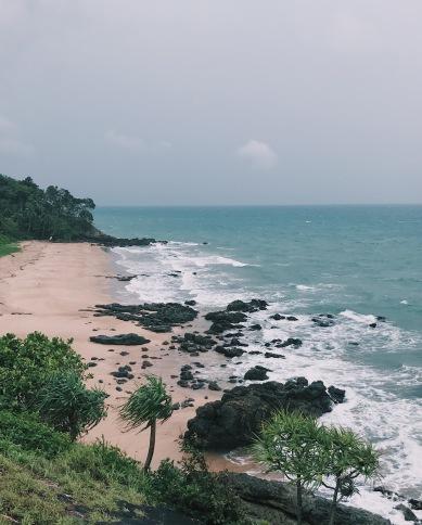 懸崖餐廳下方的沙灘